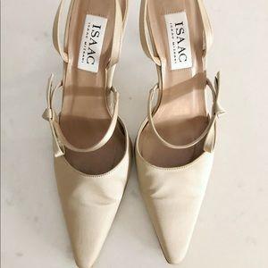 Vintage Isaac Mizrahi satin bow heels 7.5